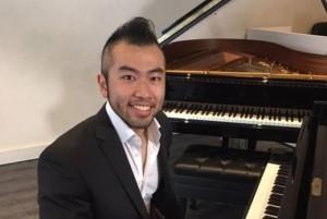 Timothy Chiang at the piano